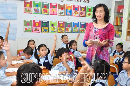 Dạy thêm tại nhà một giáo viên tiểu học bị xử lý